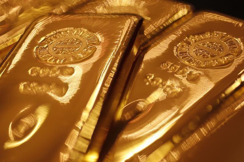 ? Reuters. 美国再挥关税大棒黄金不涨反降 美元走强或是黄金最大风险