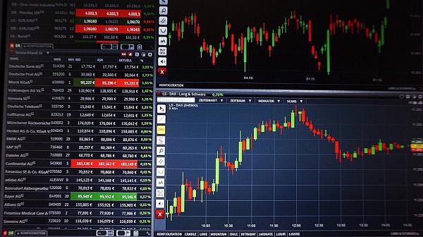 黄金严重超卖反弹随时发生 美元继续走低市场面临变盘-价格行情网_香港金价